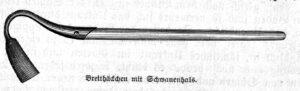 Das Bild zeigt eine Breithacke mit Schwanenhals.